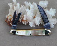 Bulldog Brand Gold Lip Pearl Seductress Knife
