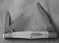 Case Classic 3083 Swell Center Whittler Knife